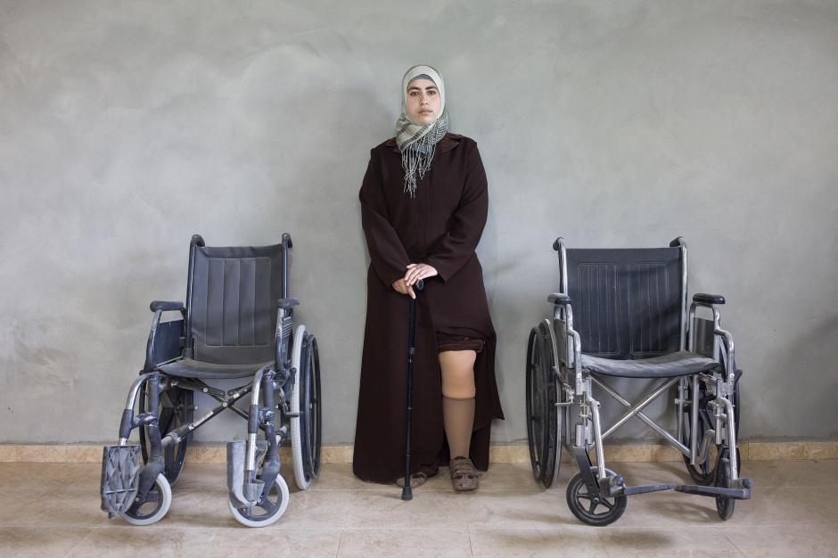 Kai Wiedenhöfer, Mona Al Ashqar, 2010, Photography, 59 x 89 cm © Kai Wiedenhöfer - Fondation Carmignac